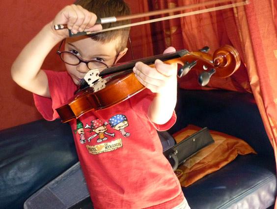 Coloriage d 39 instrument dessin imprimer coloriage violon - Dessiner un violon ...